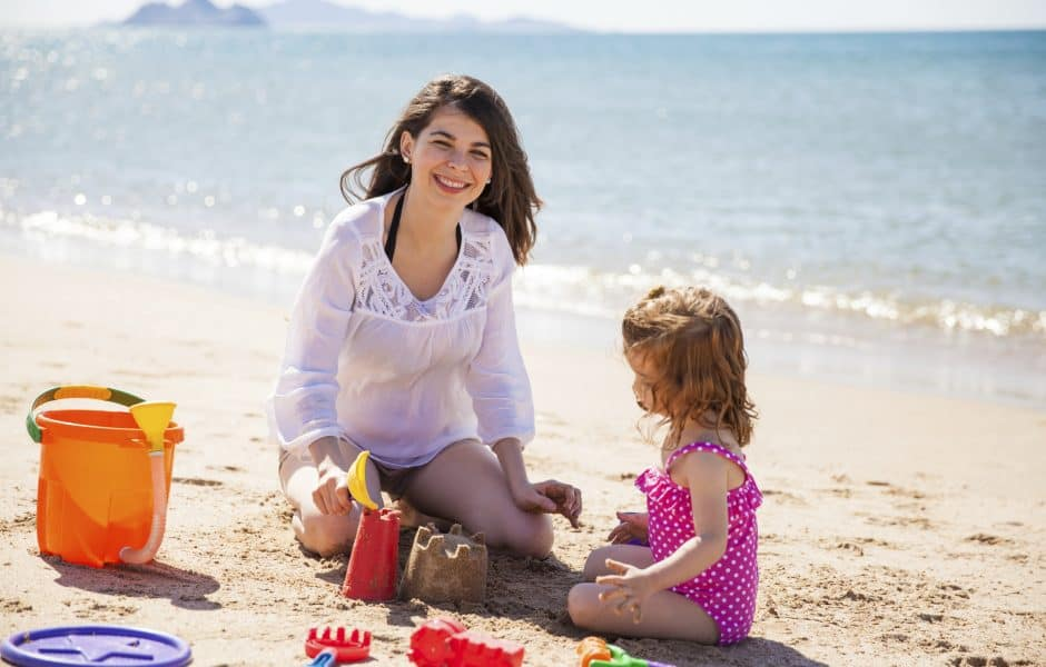 5 Tips for Paying a Nanny When She Travels with a Family