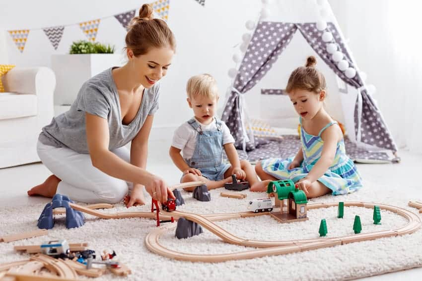 Beverly Hills: Full-Time Career Nanny *Available Position*